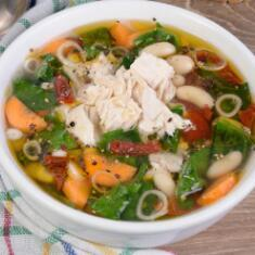 Chicken and cheese tortellini soup-500ml